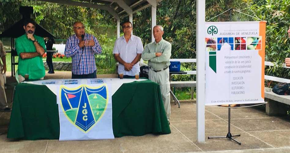 (Izquierda a derecha) Vinicio Mora Comisión de Golf, Omar Moreno presidente JD, César Cuervo Vice Presidente y Alfredo Rosas