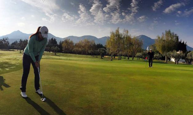 El golf profesional vuelve a Lauro Golf Resort