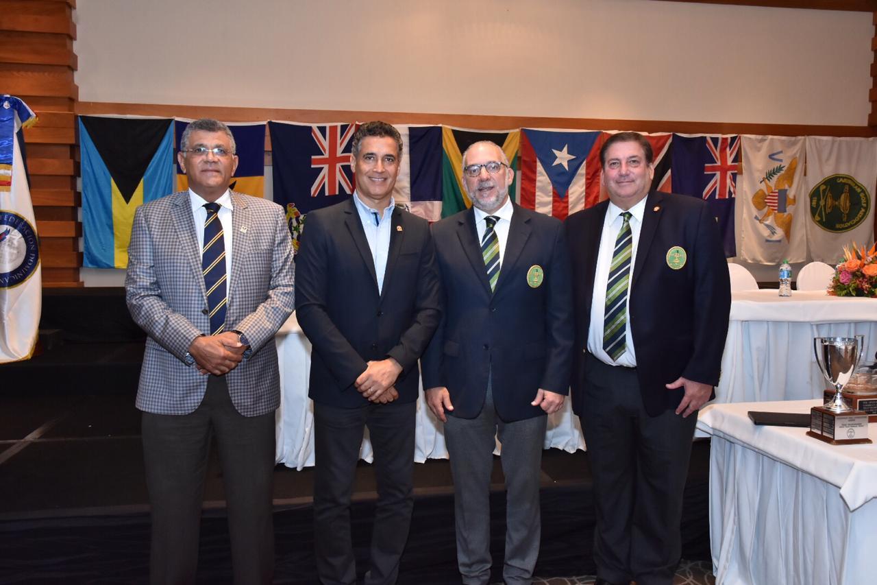 Rafael Villalona (Miembro del Comité Ejecutivo del COLIMDO), Andrés Pichardo (Presidente de Casa de Campo), Sidney Wolf (Presidente de la CGA) y Carlos Elmúdesi (Presidente de la FEDOGOLF).